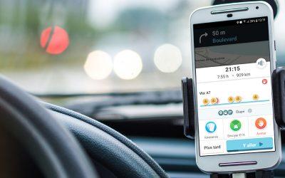 Suivre un itinéraire optimisé avec Waze depuis son véhicule